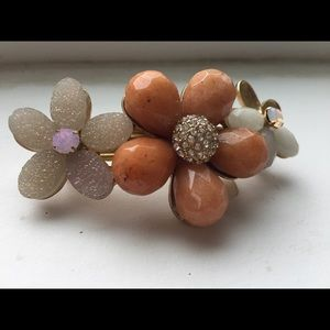 Jewelry - Anthologies hair clip